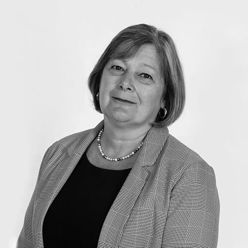Yvonne Carratt